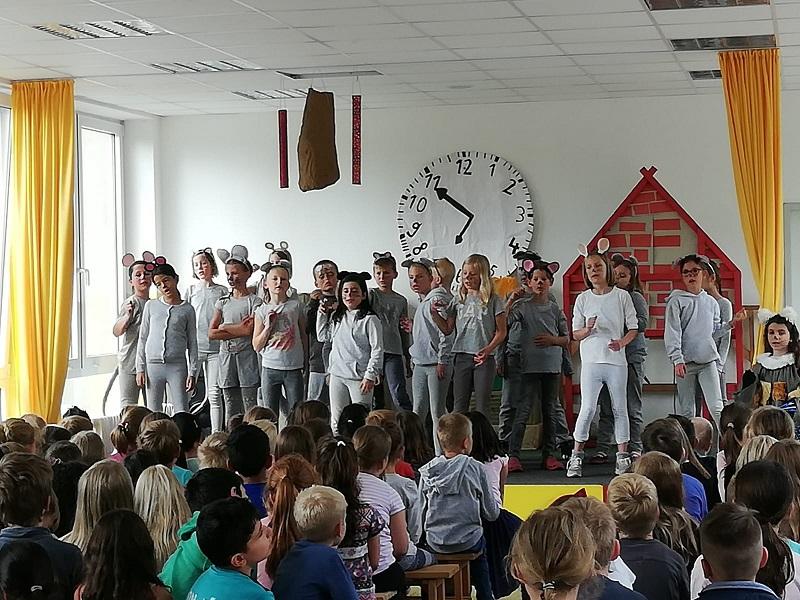 Tolle Aufführung der Theater-AG